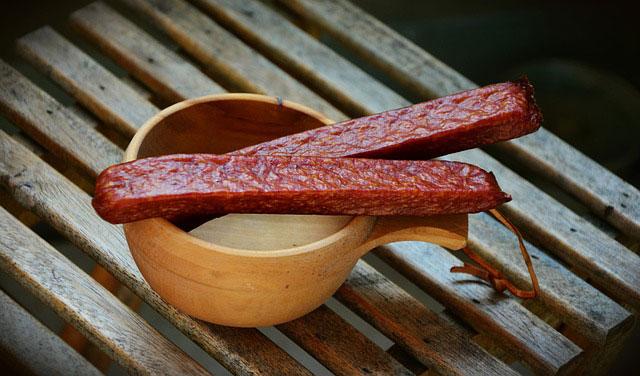 Dlaczego warto jeść naturalne wędliny